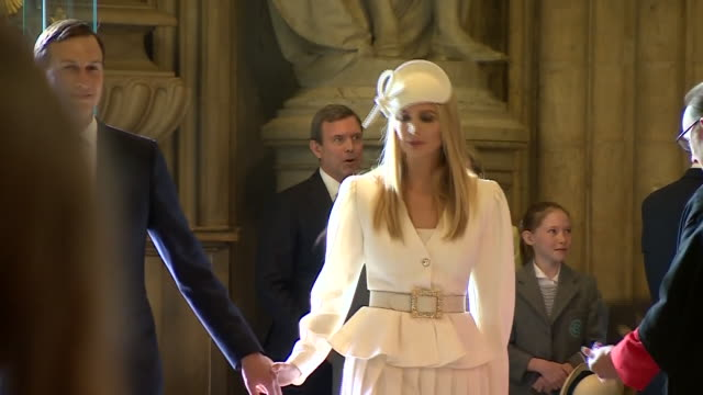 vídeos de stock e filmes b-roll de interior shot of jared kushner and ivanka trump at the westminster abbey during us president donald trump state visit to the uk, on 03 june 2019 in... - abadia de westminster