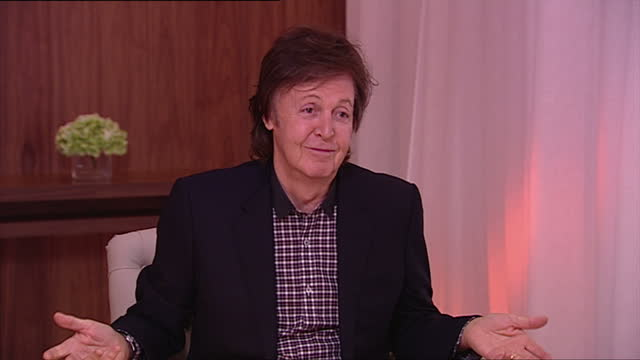 interior shot sir paul mccartney, former member of the beatles, talks about unemployment in liverpool. he says it has become a lot better that in... - paul mccartney stock videos & royalty-free footage