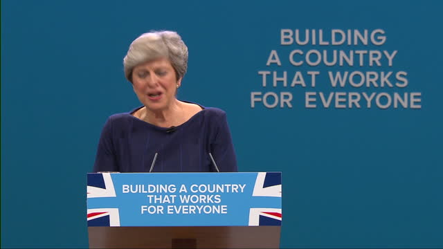 stockvideo's en b-roll-footage met interior shots and cutaways as prime minister theresa may addresses the conservative party conference in the second part of the clip the letter f... - bord bericht