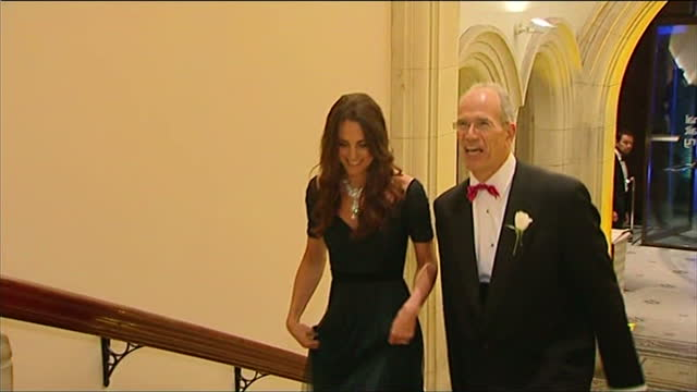 vídeos y material grabado en eventos de stock de interior shots catherine, duchess of cambridge arrives at the national portrait gallery and walks up stairs with director of the national portrait... - gala