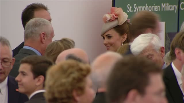 interior shots catherine, duchess of cambridge, talking to guests at wwi commemorative reception on august 04, 2014 in mons, belgium. - 一百週年紀念 個影片檔及 b 捲影像