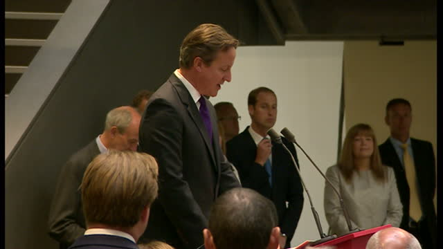 stockvideo's en b-roll-footage met interior shots david cameron applauds the exhibition talks about the history of the imperial war musuem on july 17 2014 in london england - imperial war museum museum