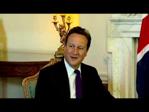interior shots david cameron & barack obama sat chatting in number 10 & posing for the media. interior shots david cameron sat in meeting with barack... - photo call stock videos & royalty-free footage