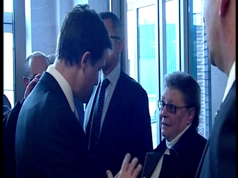 interior shots deputy prime minister nick clegg is questioned by gillian duffy during a visit to rochdale nick clegg questioned by gillian duffy on... - 50 seconds or greater stock videos & royalty-free footage