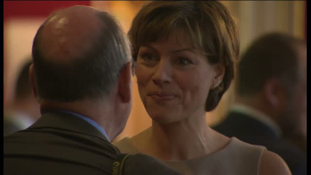 stockvideo's en b-roll-footage met interior shots kate silverton, journalist, stood speaking to photographer at conservation conference held at st james's palace. kate silverton at st... - kate silverton