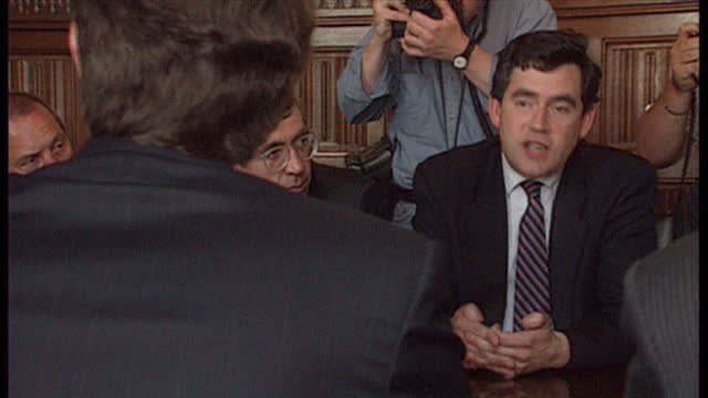 interior shots labour shadow cabinet meeting with gordon brown harriet harman on august 5th 1994 in unspecified united kingdom - ジョン プレスコット点の映像素材/bロール