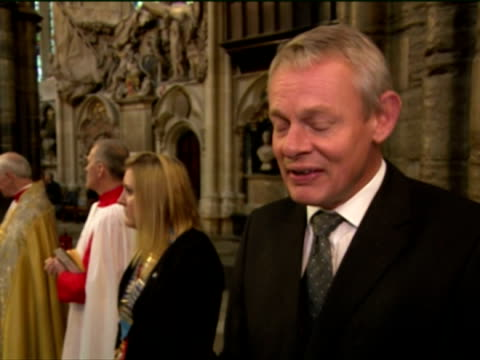 interior shots martin clunes, actor, talks about the westminster abbey harvest festival. he says it is very important and it reminds us all that we... - マーティン クランズ点の映像素材/bロール