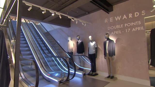 vídeos y material grabado en eventos de stock de interior shots menswear collection designers clothing at harvey nichols store on april 11 2016 in london england - ropa de caballero