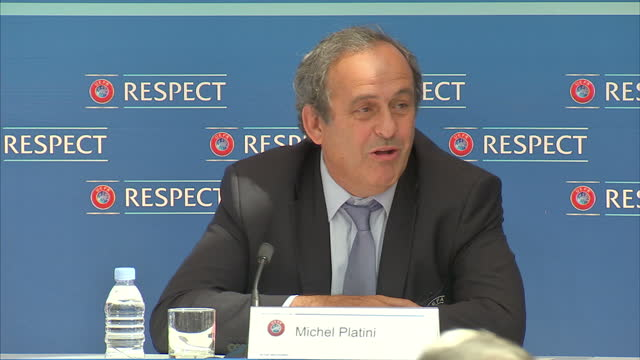 vídeos de stock, filmes e b-roll de interior shots michel platini uefa chief pedro pinto chief of press at uefa gianni infantino uefa general secretary at presser on august 28 2015 in... - gianni infantino