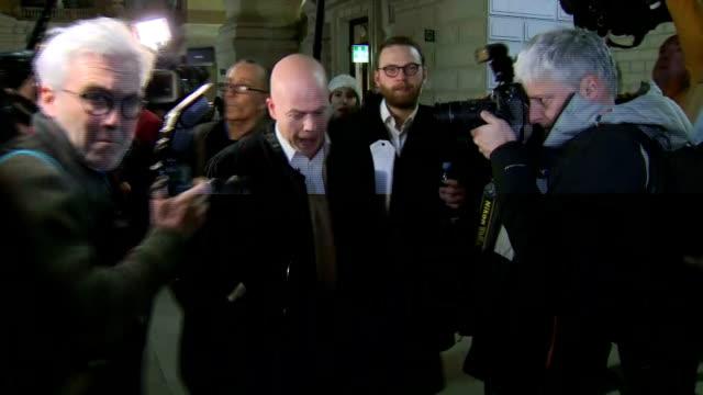 vidéos et rushes de interior shots of a media scrum surrounding sven mary and romain delcoigne lawyers representing terror suspect saleh abdeslam as they walk through... - avocat juriste