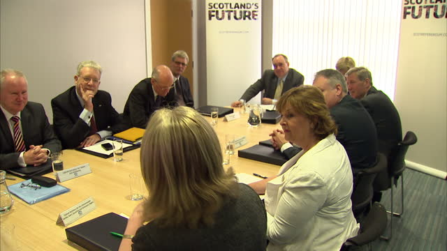 interior shots of alex salmond scotland's first minister nicola sturgeon deputy first minister chairing a scottish cabinet meeting at the fernhill... - leitende person stock-videos und b-roll-filmmaterial