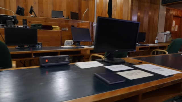 interior shots of an empty courtroom in the old bailey on 17th may 2020 london, united kingdom. - オールドベイリー点の映像素材/bロール