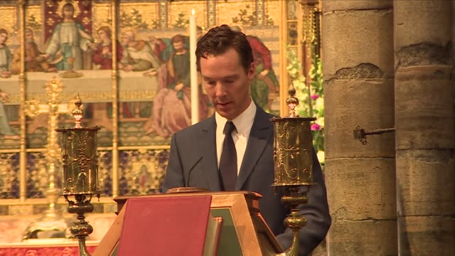 interior shots of benedict cumberbatch reading a tribute to professor stephen hawking at a memorial service on 15 june 2018 in london, united kingdom - benedict cumberbatch stock videos & royalty-free footage