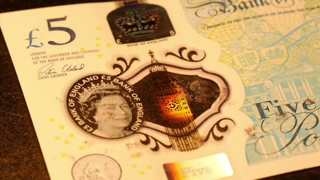 interior shots of british five pound note with portrait of jane austen engraved on to it by micro artist graham short on 7th december 2016 birmingham... - engraved image stock videos and b-roll footage