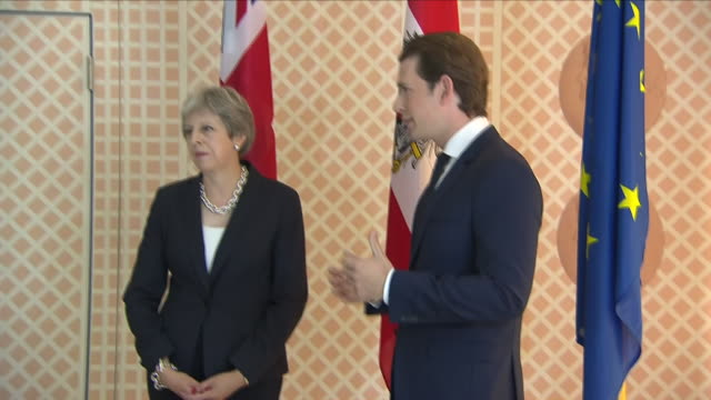 vidéos et rushes de interior shots of british prime minister theresa may meeting the austrian chancellor sebastian kurz and giving joint press conference on 28 july 2108... - culture autrichienne