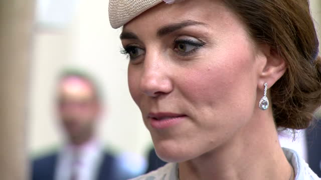 interior shots of catherine duchess of cambridge speaking to guests during a reception at the guildhall>> on june 10 2016 in london england - königin stock-videos und b-roll-filmmaterial