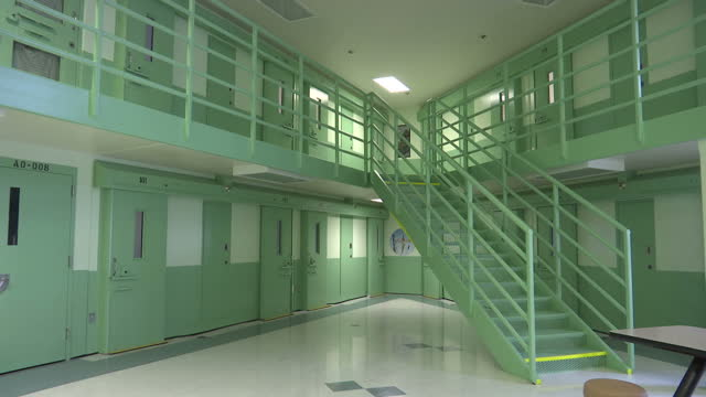 interior shots of cells communal dining area and walkways inside maine state prison on august 23 2016 in warren maine - federal prison stock videos & royalty-free footage