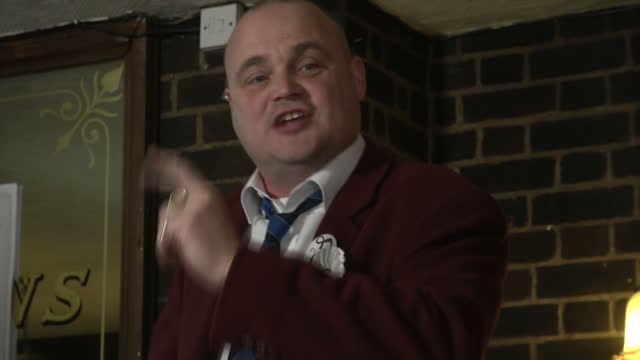 interior shots of comedian al murray making his election campaign speech in a thanet pub, being heckled by a man who claims he's not taking local... - al murray stock videos & royalty-free footage
