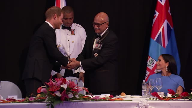 interior shots of duke and duchess of sussex, meghan and harry sitting at the state banquet dinner at the grand pacific hotel, prince harry and... - state dinner stock videos & royalty-free footage