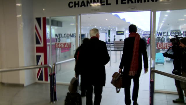 interior shots of european commission chief negotiator michel barnier walking through brusselssouth railway station and waiting to check in at the... - eurostar stock-videos und b-roll-filmmaterial