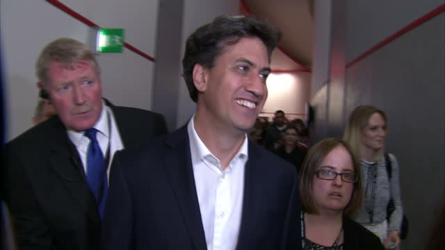 interior shots of former labour leader ed miliband walking through a conference centre on september 25 2016 in liverpool england - ed miliband stock-videos und b-roll-filmmaterial