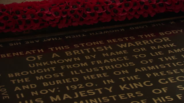 interior shots of grave of the unknown warrior in westminster abbey on the eve of 75th anniversary of ve day commemorations on 7 may april 2020 in... - tomb of the unknown warrior westminster abbey stock videos & royalty-free footage