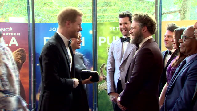 vídeos de stock e filmes b-roll de interior shots of harry duke of sussex and meghan duchess of sussex talking to billy eichner and seth rogan at the european premiere of the lion king... - meghan markle lion king