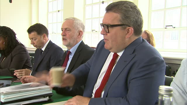 interior shots of jeremy corbyn mp holding a british labour party shadow cabinet meeting inc tom watson mp keir starmer mp and diane abbott on 5th... - diane abbott stock videos & royalty-free footage