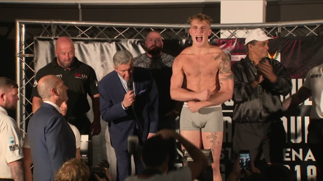 interior shots of ksi and logan paul at a weigh in ahead of their amateur boxing bout 24 august 2018 in manchester united kingdom - waage gewichtsmessinstrument stock-videos und b-roll-filmmaterial