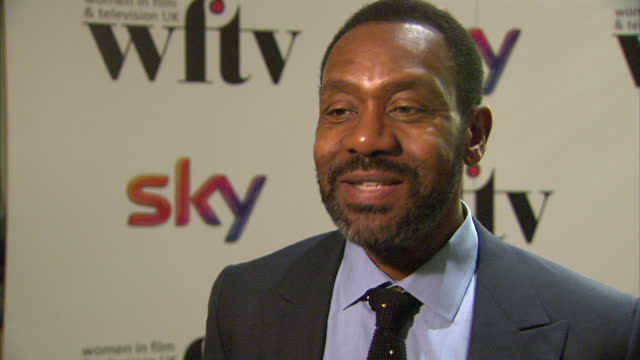 interior shots of lenny henry giving an interview on the red carpet at women in film & tv awards at london hilton on december 06, 2013 in london,... - lenny henry stock videos & royalty-free footage