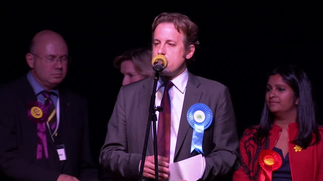 stockvideo's en b-roll-footage met interior shots of marcus fysh making his acceptance speech after being declared the winner of the yeovil constituency on may 08 2015 in yeovil england - yeovil