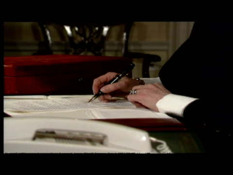 interior shots of margaret thatcher working at desk whilst prime minister inside 10 downing stree - international landmark stock videos & royalty-free footage