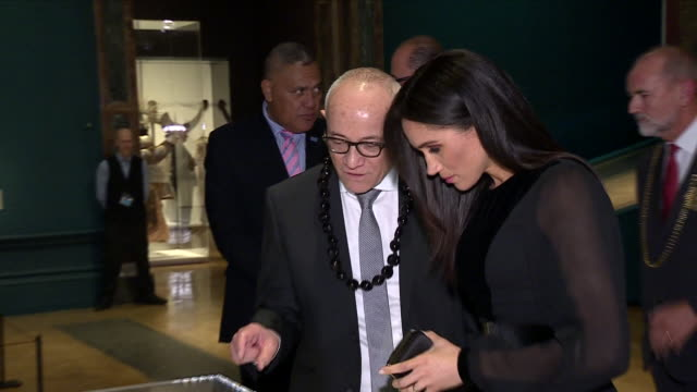 interior shots of meghan duchess of sussex touring the oceania exhibition at the royal academy on 26 september 2018 in london united kingdom - meghan duchess of sussex stock videos & royalty-free footage