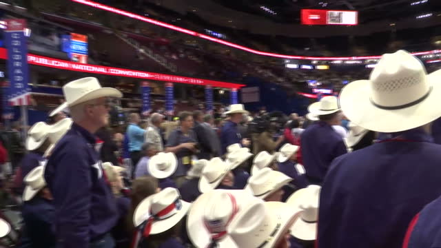 interior shots of men in ten gallon hats at the republican convention chanting on december 13 2016 in unspecified unspecified region unspecified - republican national convention stock videos & royalty-free footage