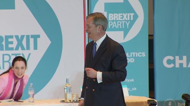 interior shots of nigel farage beginning of speech at brexit party rally on 20th april 2019 in nottingham england n - nigel farage stock-videos und b-roll-filmmaterial