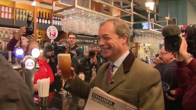 interior shots of nigel farage in a pub during his brexit betrayal rally on the 22nd september 2018 in bolton united kingdom - 英国独立党点の映像素材/bロール
