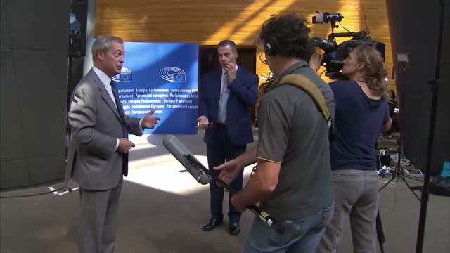 interior shots of nigel farage mep, ukip, being interviewed by reporters in the eu parliament building on september 14, 2016 in strasbourg, france. - mep stock videos & royalty-free footage