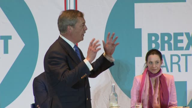 interior shots of nigel farage speech at brexit party rally on 20th april 2019 in nottingham england - nigel farage stock-videos und b-roll-filmmaterial