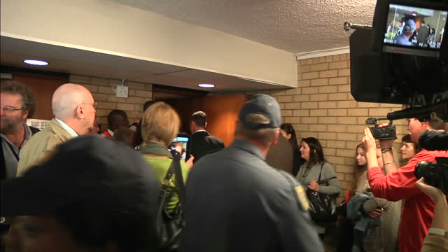 interior shots of oscar pistorius arriving at murder trial of reeva steenkamp surrounded by press on april 07 2014 in pretoria south africa - リーバ・スティンカンプ点の映像素材/bロール