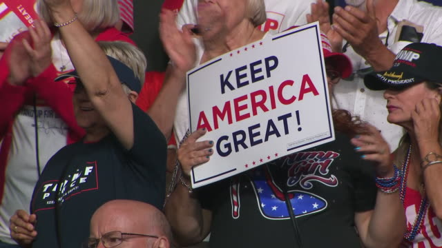 interior shots of president donald trump making a speech to cheering supporters at a 'keep america great' rally ahead of the 2020 presidential... - partito repubblicano degli usa video stock e b–roll
