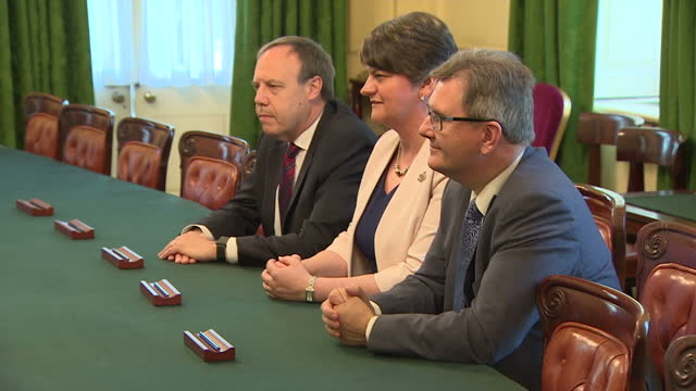 interior shots of prime minister theresa may, first secretary of state damian green and chief whip gavin williamson mp meeting with dup leader arlene... - dup stock-videos und b-roll-filmmaterial