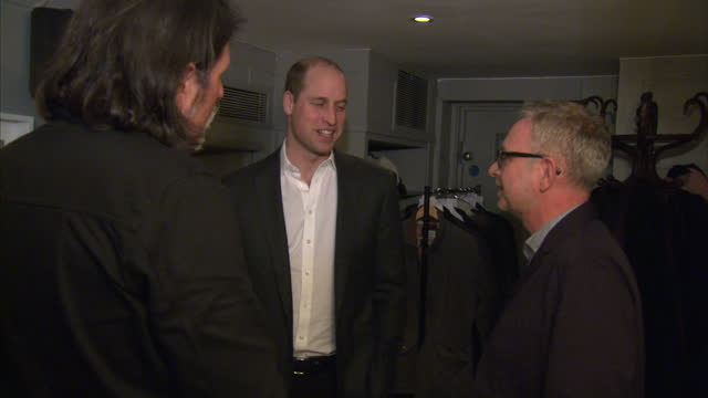 stockvideo's en b-roll-footage met interior shots of prince william visiting the campaign against living miserably mental health charity and meeting with staff and volunteers on... - prins koninklijk persoon