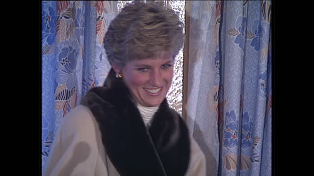 interior shots of princess diana giving a speech to army wives and families on a visit to hohne army base on december 19, 1990 near hanover, germany. - プリンセス点の映像素材/bロール