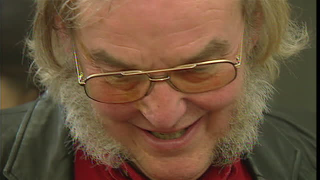 interior shots of professor colin pillinger standing around at beagle 2 hq chatting to people doing a jigsaw puzzle professor colin pillinger at... - beagle stock videos & royalty-free footage