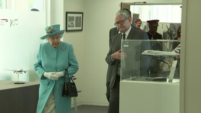interior shots of queen elizabeth ii at heathrow airport marking the 100th anniversary of british airways and meeting staff with ba ceo alex cruz on... - 100. jahrestag stock-videos und b-roll-filmmaterial