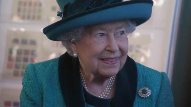 interior shots of queen elizabeth meeting staff and patrons and browsing some of the displays at the royal philatelic society on 26 november 2019 in... - elizabeth ii stock videos & royalty-free footage
