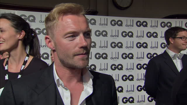 interior shots of ronan keating giving an interview on the red carpet at the gq awards red carpet interviews from the gq awards at royal opera house... - ronan keating stock videos & royalty-free footage