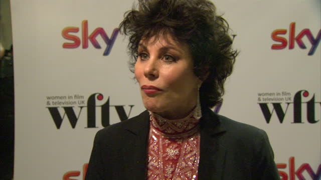 interior shots of ruby wax giving an interview on the red carpet at women in film tv awards at london hilton on december 06 2013 in london england - ruby wax stock-videos und b-roll-filmmaterial