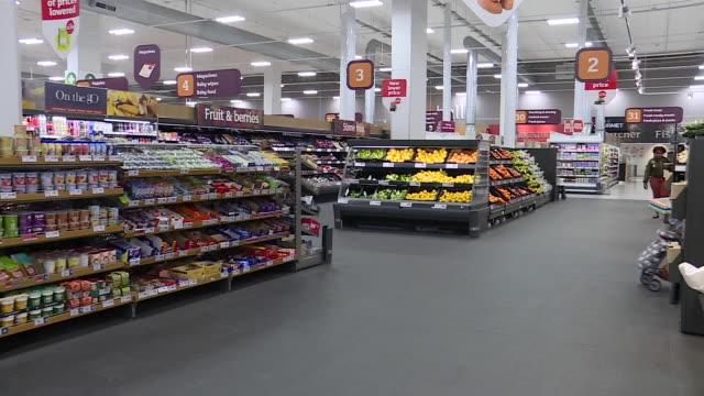 vídeos de stock e filmes b-roll de interior shots of sainsbury's supermarket fruit and vegetables aisle on 6th february 2019 in london england - sainsburys