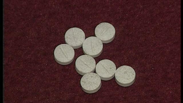 vidéos et rushes de interior shots of seized ecstasy tablets including flatliners and golden eagles, the more potent forms of ecstasy on november 19, 1998 in london,... - sortir en boîte de nuit